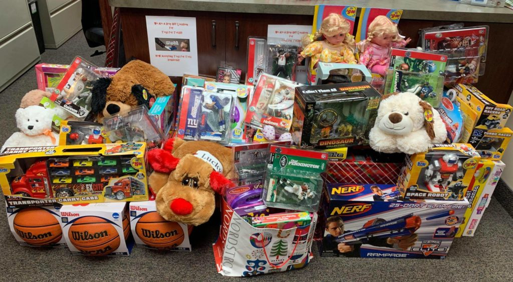 rochester hills, toys for tots donation drive collection